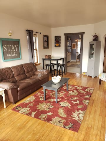 Charming one bedroom cottage downtown Spearfish