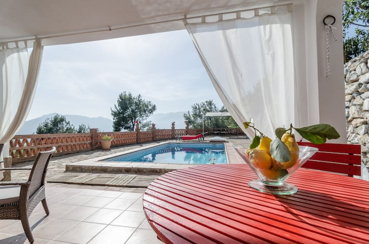 Cottage with Private pool and sea - Otívar
