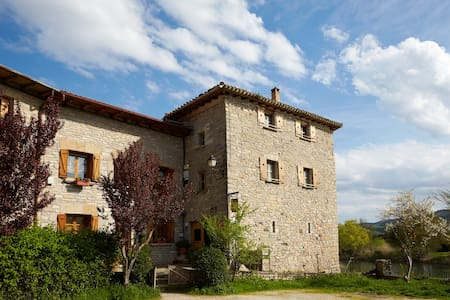 A 10 minutos de Pamplona 2+1 Pax M. - Ibero - Rumah