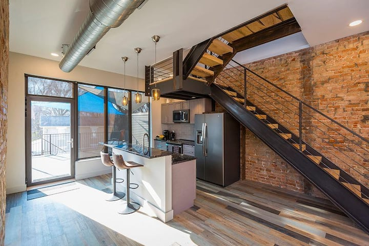 Industrial Loft in East End Entertainment District