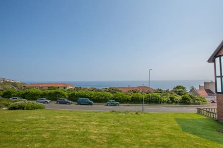 Douglas Bay Apartment with Sea Views - Douglas