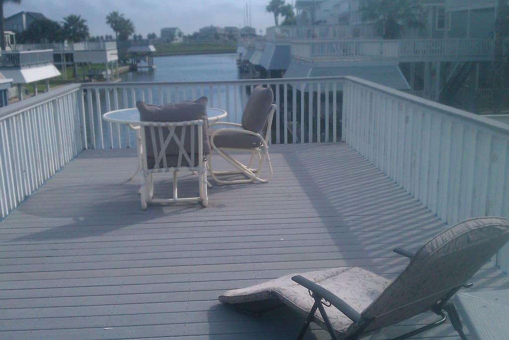 Chair,Furniture,Deck,Porch,Balcony