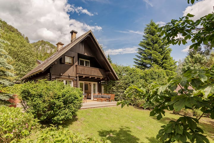 Chalet with Charm, just renovated - Gozd Martuljek - Hytte (i sveitsisk stil)