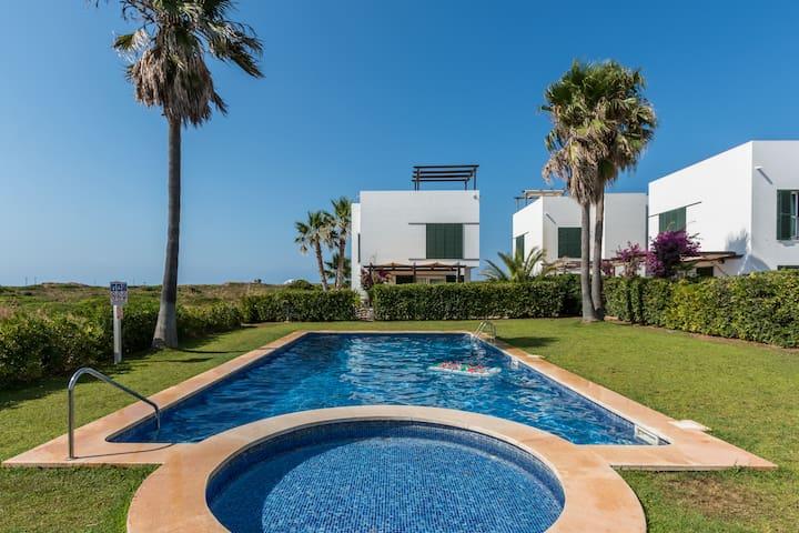 Incredible villa near the beach