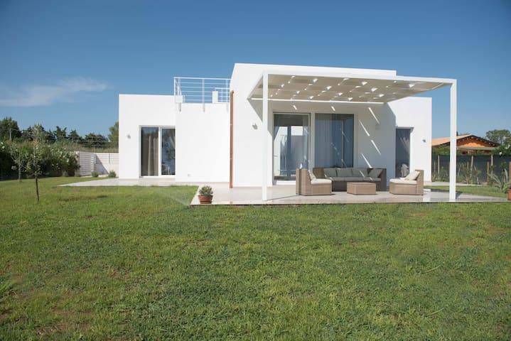 Villa Ammari - Lido Fiori - 100 m.  vom Meer