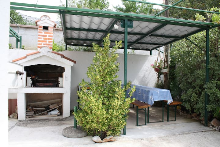 Charming one bedroom apartment in Starigrad - Seline