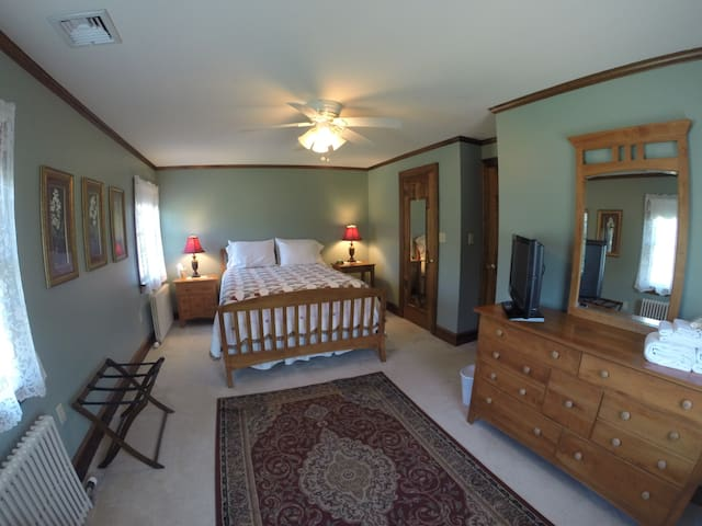 Whistling Acres Guest House/Pond View - Kutztown - Talo