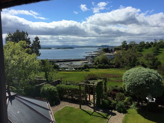 Luxury double bedroom - Aberdour