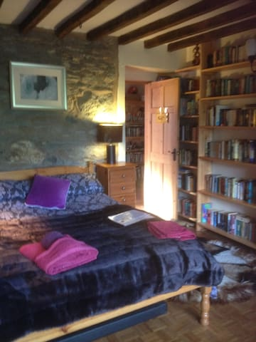 Gwern Y Fran, Rural Welsh Long House - Maerdy - House