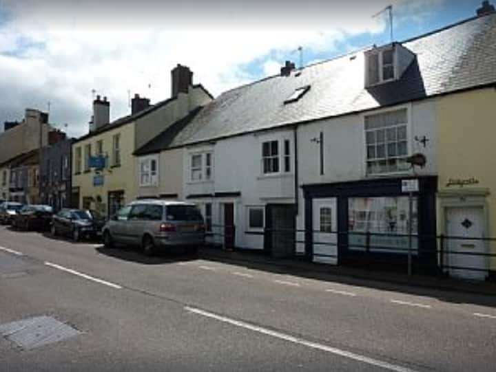 Character Cottage in the heart of Honiton