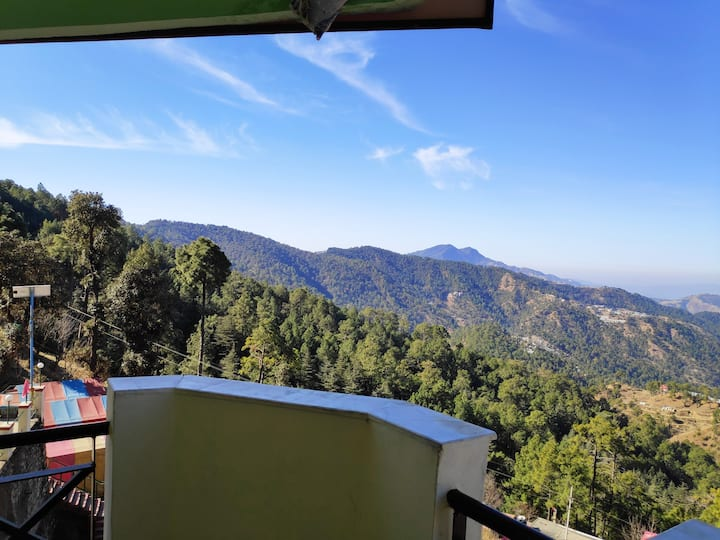 Deluxe Room | Amazing Chail