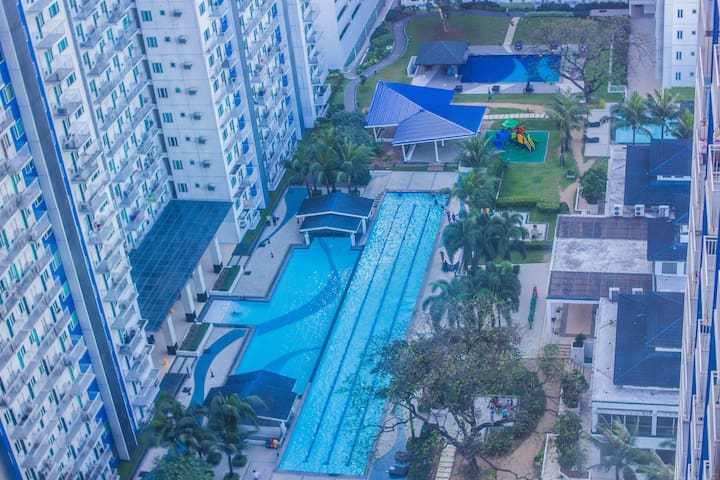 Grass One Bedroom Condo With Wi-Fi - เกซอนซิตี - (ไม่ทราบ)