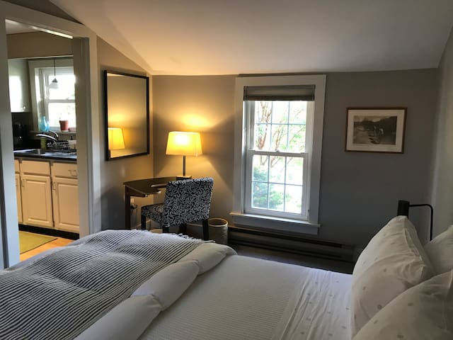 Sweet Retreat minutes from Northampton & Amherst