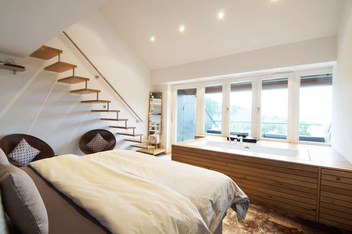 Studio-Appartement mit Whirlwanne & Wlan