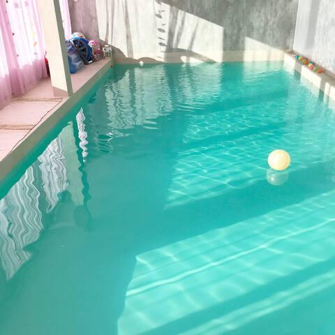 Arendal  sokkel leilighet  med  oppvarmet basseng