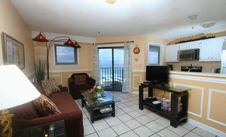Myrtle Beach Resort Renaissance 913 Great 2 Bedroom Condo With Ocean Views And Fantastic Amenities