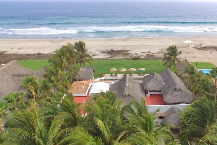 Casa Sofia - Beautiful Beachfront Villa
