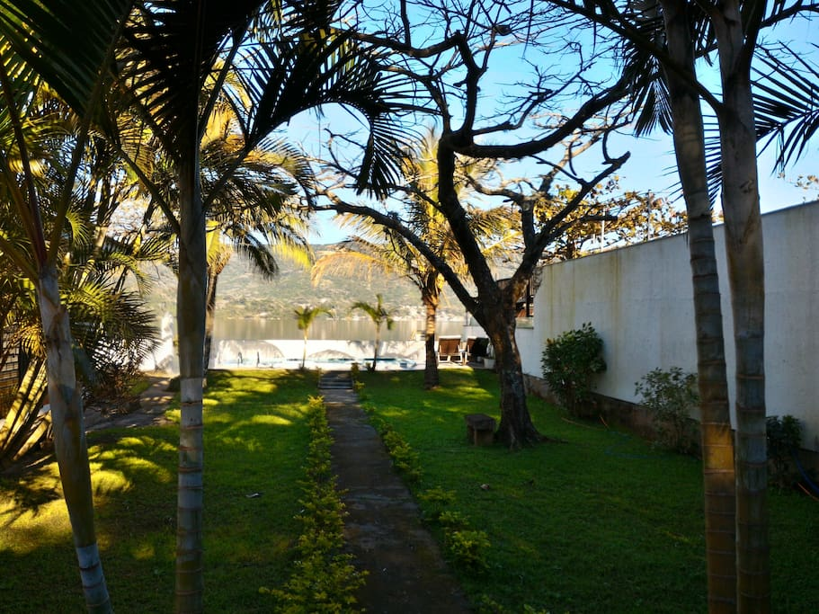 Fundos - Vista para a Lagoa da Conceição