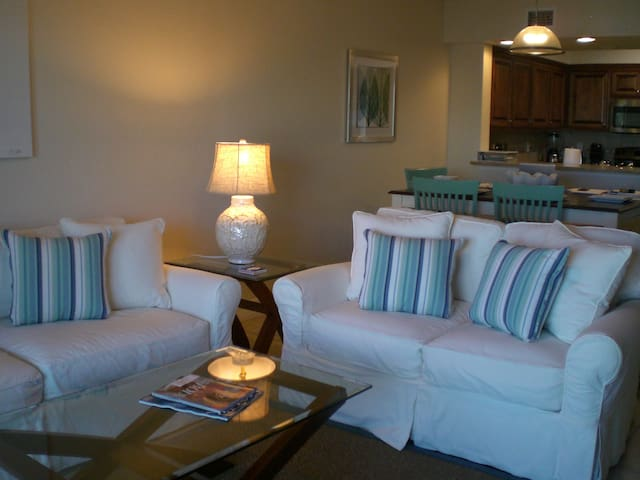 3/2 in Ocean Walk Condominiums - New Smyrna Beach - Apartment