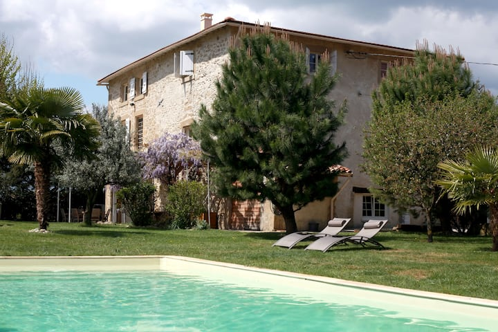Les Magnarelles: appartment + pool