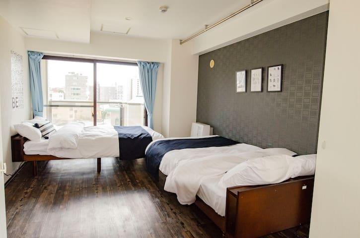Cozy flat/Parking & Wifi/Convenient location!