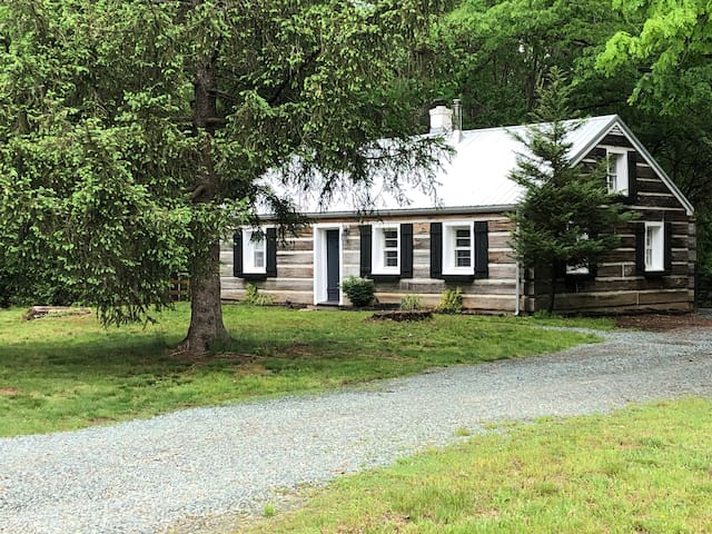 Private Rural Cottage-Minutes from Charlottesville