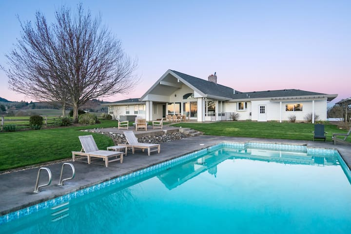 AtTheJoy - Luxury Oregon Wine Country Retreat - Salem - Ev