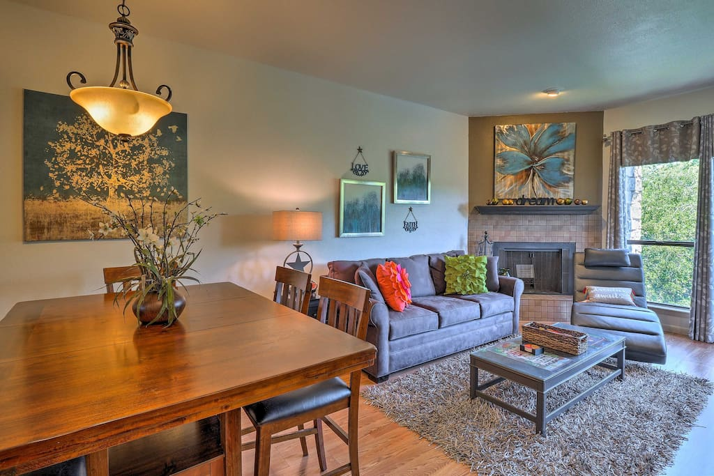 Up to 8 guests can make themselves in this open-concept living space.