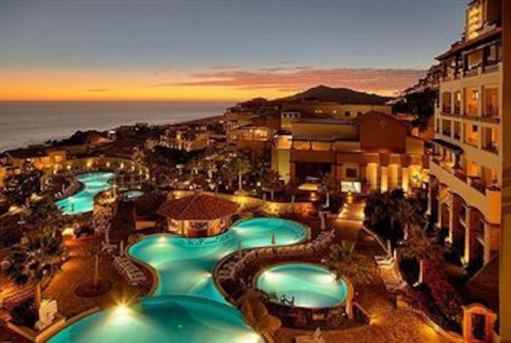 Overview of the Resort--on the Pacific ocean 5 minutes from Cabo San Lucas