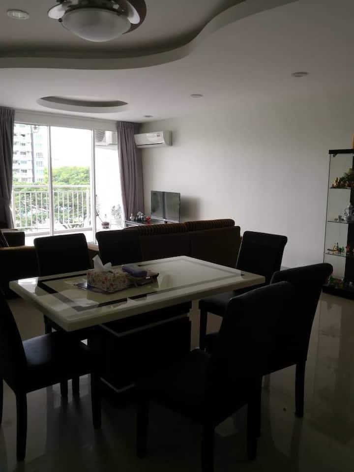 IJM Condominium B232 Homestay