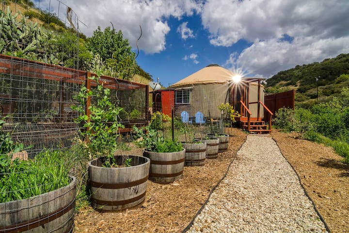 Malibu Yurt Retreat On Organic Farm
