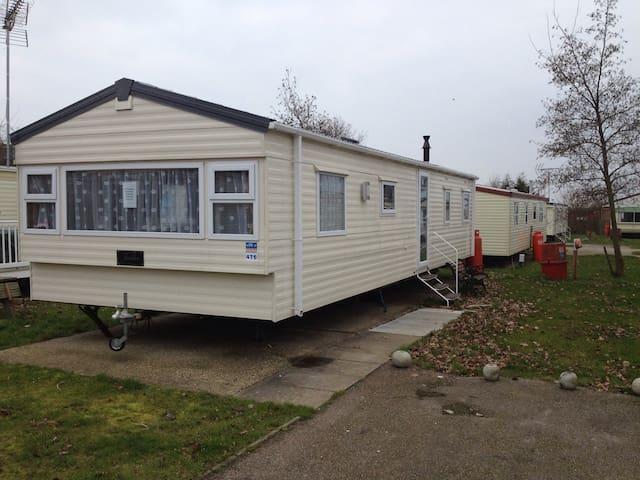 8 berth static caravan Clacton - Clacton-on-Sea