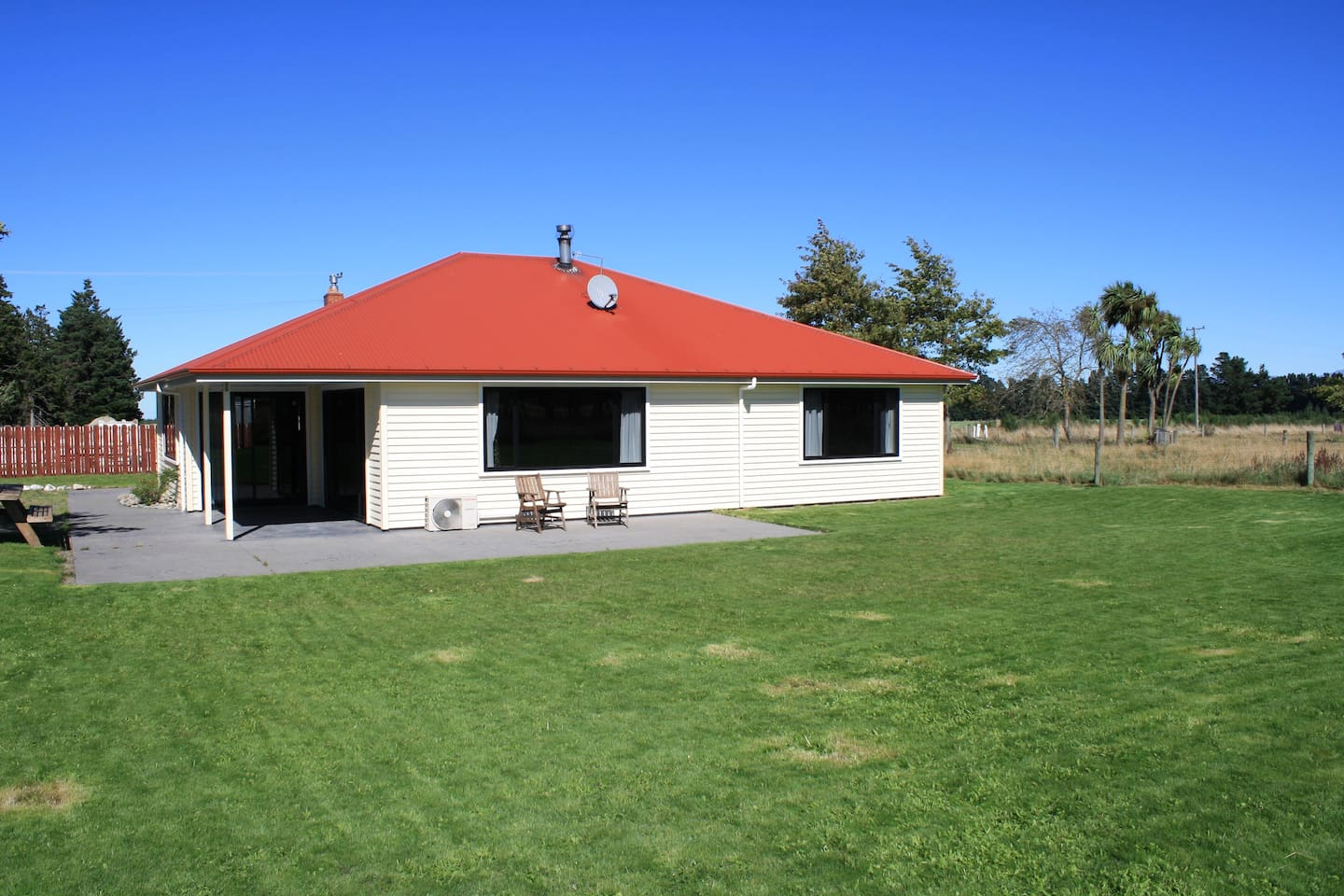 House, Deck and Lawn area