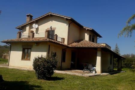 Stanza in Villa in Sabina - Borgonuovo - Vila