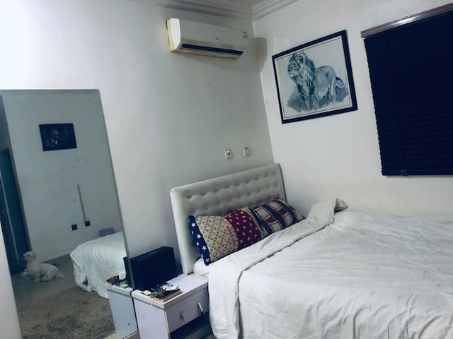 Abuja apartment with comfort, safety and serenity.