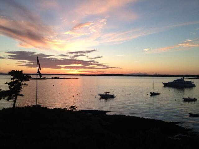 Classic Maine Oceanfront Cottage Compound - Phippsburg - House