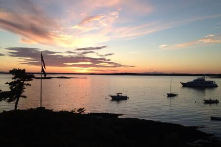 Classic Maine Oceanfront Cottage Compound - 菲普斯堡(Phippsburg) - 獨棟