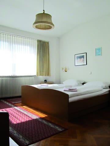 Cologne ,Rhine valley Bonn/Koblenz - Bad Hönningen - Rumah