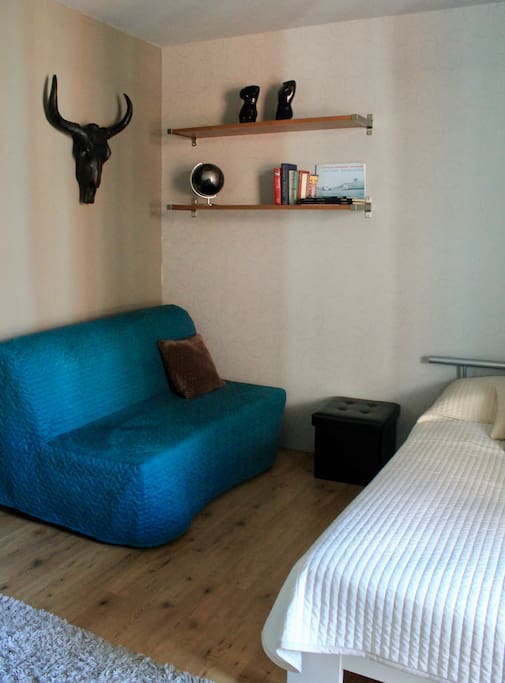 The same room, with bed sofa for 2 persons :)