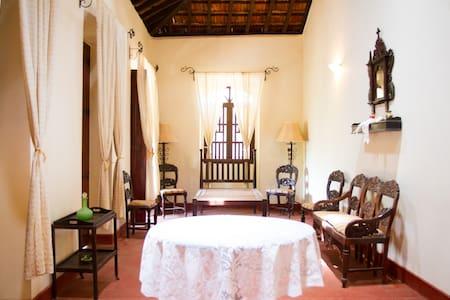 Casa dos Silveiras, Divar, Goa - Divar Island - Vila