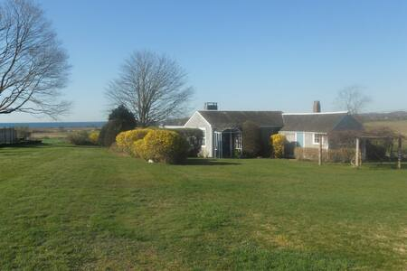 Quiet Rural and near Fogland Beach - Tiverton