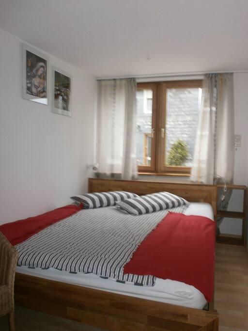 sch ne ruhige ferienwohnung 35 qm wohnungen zur miete. Black Bedroom Furniture Sets. Home Design Ideas