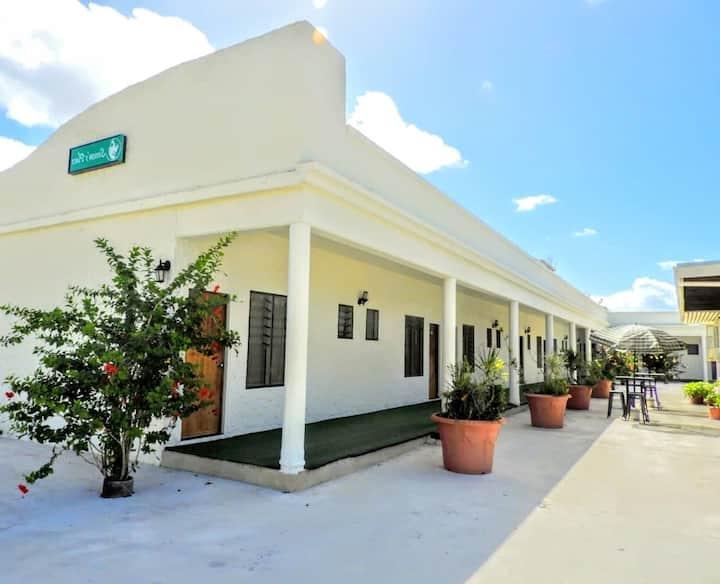 Simon's Place Motel