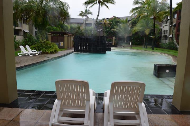 (G427) Resort Living - FREE WIFI - Westcourt - Apartamento
