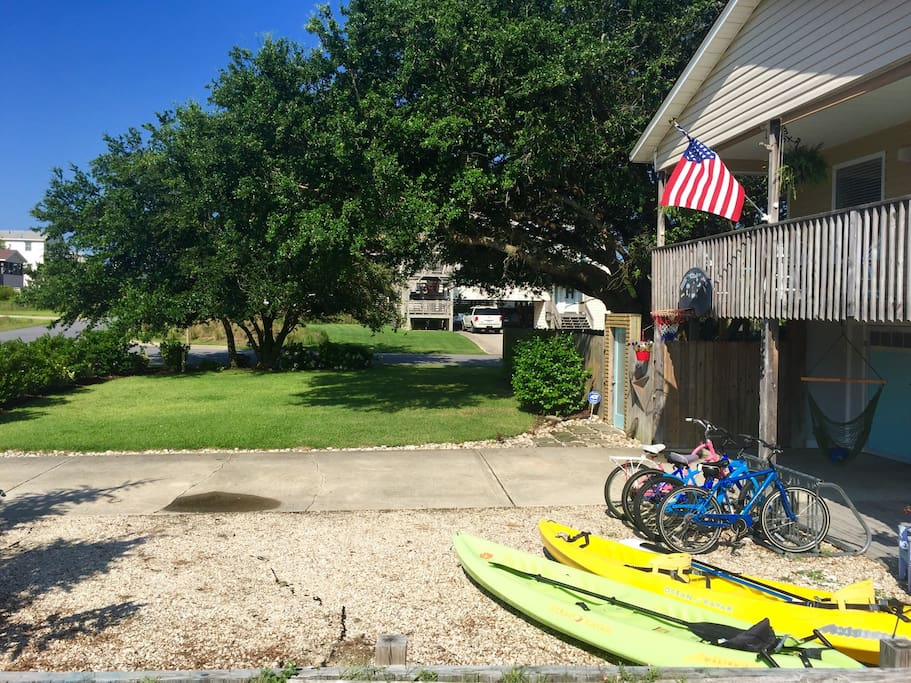 2 Kayaks and 4 bikes for you to use