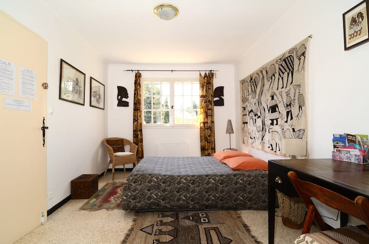 Nice bedroom for rent in a house