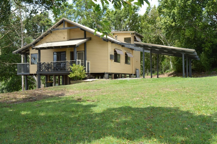 Scenic Rim - Kooralbyn Country Cottage