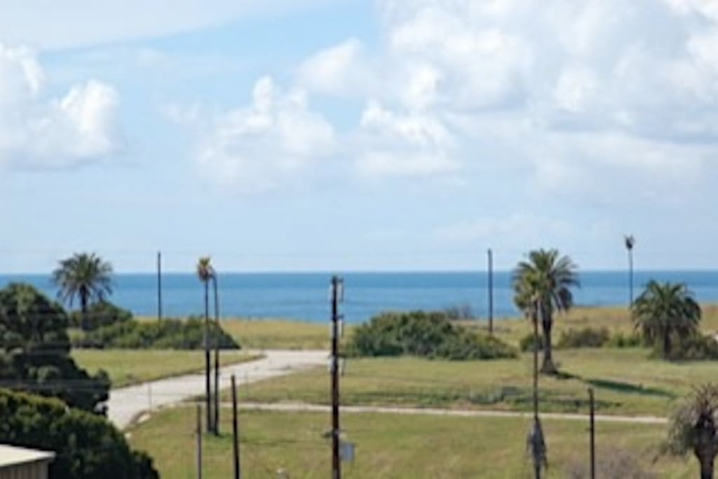 Ocean view from both balconies and guest bedroon