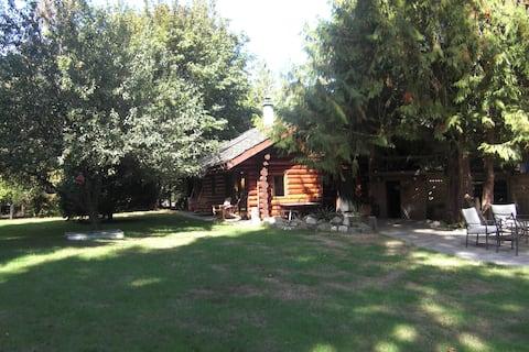 Stunning Sunny Island Log Home