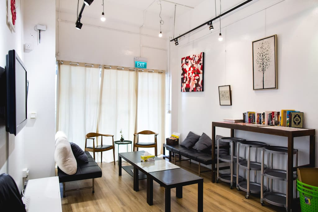 guest can enjoy our modern and spacious common area